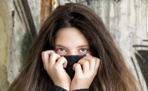 熊猫眼暗示什么妇科病 为什么要警惕月弯形的黑眼圈 中医怎么缓解黑眼圈