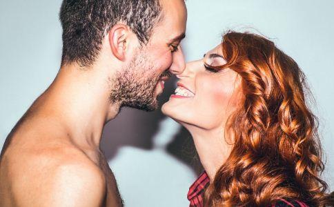 男人亲吻女人有什么技巧 男人接吻的技巧有哪些 怎么让接吻更有感觉