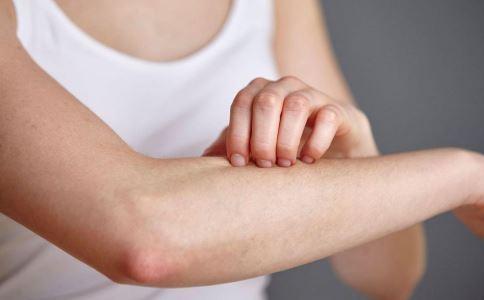 小心。秋天容易出现四种皮肤病。
