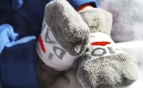 保暖穿衣技巧有哪些 秋天穿衣技巧 秋季驱寒保暖的方法