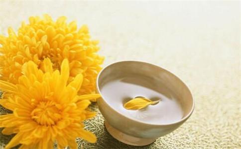 菊花茶有什么作用 菊花茶怎么泡 什么人不能喝菊花茶