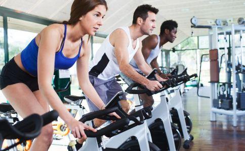 去健身房健身有哪些注意事项 健身房健身有哪些禁忌 去健身房健身要注意什么