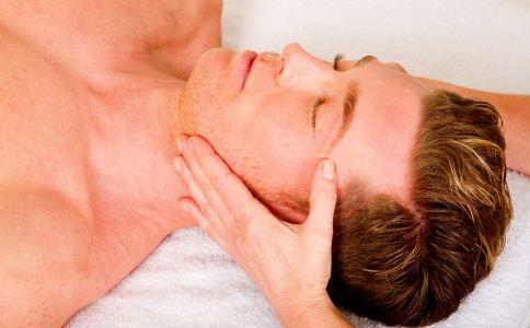 男人秋季如何护肤 男人秋季护肤方法 男人秋季怎么保养皮肤
