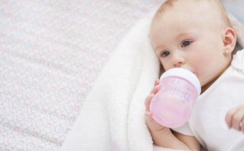 怎么冲奶粉 奶粉怎么冲正确 如何冲奶粉才正确