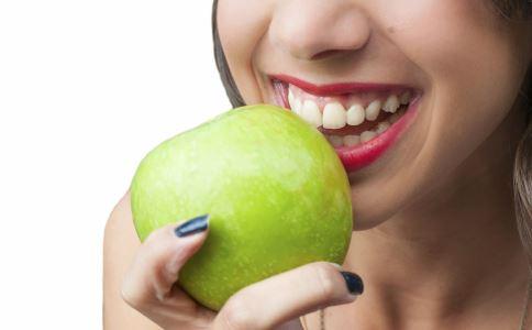 坐小月子可以吃什么水果 坐小月子吃什么水果好 坐小月子吃什么