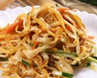 金针菇拌杂蔬的做法 金针菇拌杂蔬 产后减肥食谱