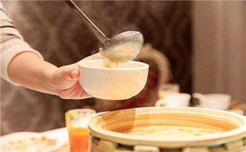吃汤泡饭的坏处 汤泡饭的危害 吃汤泡饭伤胃吗