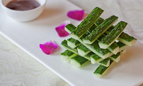 一根黄瓜藏着11种好处 黄瓜的好处是什么.黄瓜有哪些好处