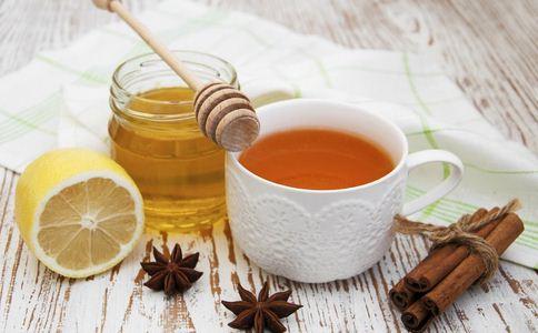 蜂蜜细菌污染 蜂蜜有什么功效 蜂蜜的功效有哪些