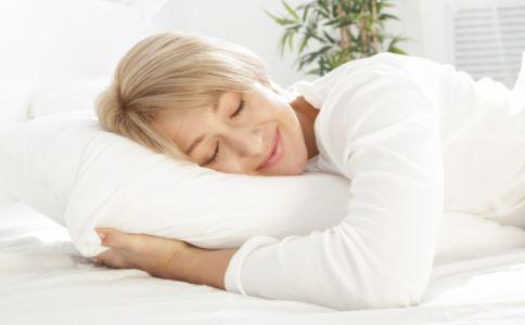 药枕的做法 药枕的作用 哪些人不能睡药枕