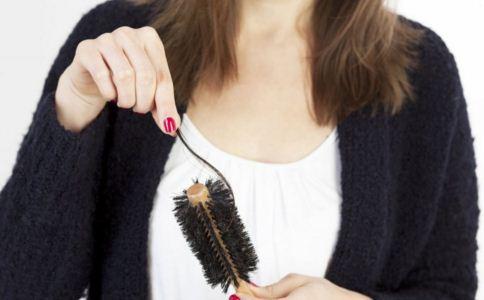 秋天掉头发多怎么办 秋天掉头发怎么护理 秋天如何预防掉头发