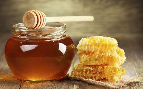 蜂蜜泡大蒜真的能够壮阳补肾吗 蜂蜜泡大蒜怎么食用 蜂蜜泡大蒜真的可以壮阳吗