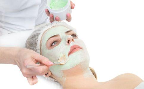 秋季美白的方法 秋季护肤小技巧 自制面膜的做法