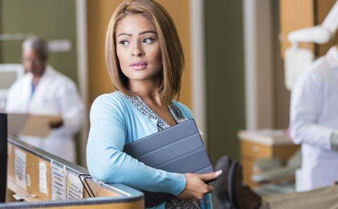 如何避免办公室婚外情 婚外情该怎么处理 办公室婚外情的注意事项