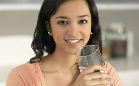 怎么喝水效果好 什么时候喝水效果好 怎么喝水才是正确的