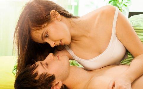 哪些女人最容易诱惑到男人 男人最禁不住哪种女人的诱惑 什么样的女人最能诱惑男人出轨