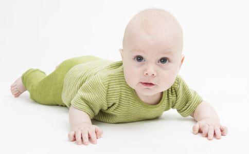 宝宝容易感冒怎么办 如何预防宝宝感冒 孩子穿的少就容易感冒吗