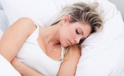 产后体温升高怎么回事 产后腹痛怎么回事 怎样预防产褥感染