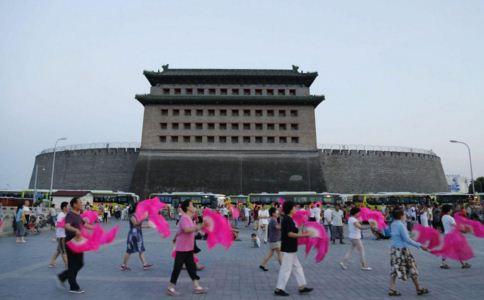 哪些老人不适合广场舞 广场舞要注意什么 跳广场舞要注意什么