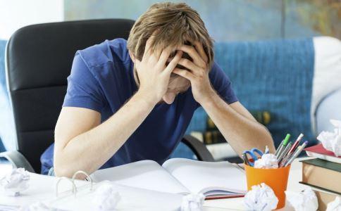 焦虑症有什么症状 焦虑症的症状是什么 导致焦虑症的原因有哪些