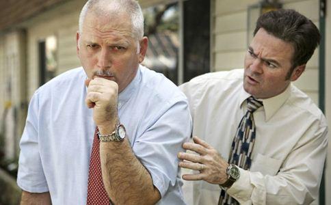 哮喘是怎么引起的 哮喘的原因 哮喘急性发作的处理