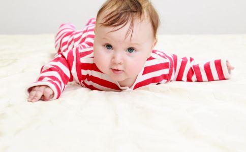 如何训练宝宝爬行 宝宝爬行训练 怎么训练宝宝爬行