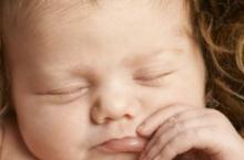 新生宝宝听什么音乐好 适合新生儿听的音乐介绍