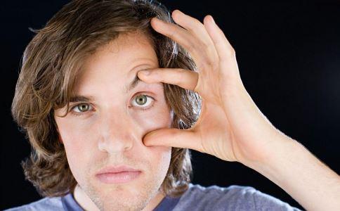 引起青光眼的原因 青光眼的病因是什么 青光眼有什么危害