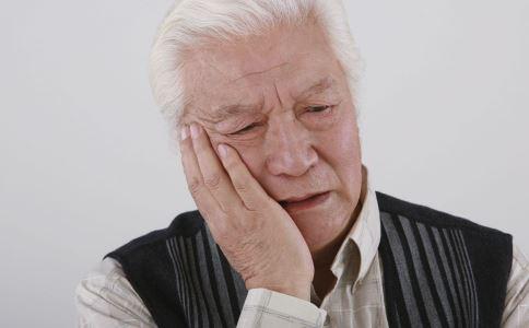 老年抑郁症有哪些表现 老年抑郁症如何治疗 老年抑郁症的护理