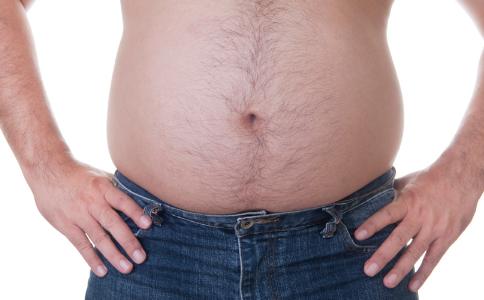 肥胖男士穿衣要注意什么 肥胖男人怎么穿显瘦 男人穿衣搭配的技巧有哪些