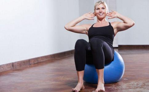 乳房怎么样会变大 乳房太小有什么影响 什么动作能让乳房变大