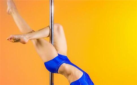 怎样跳钢管舞 钢管舞的分类 跳钢管舞的好处