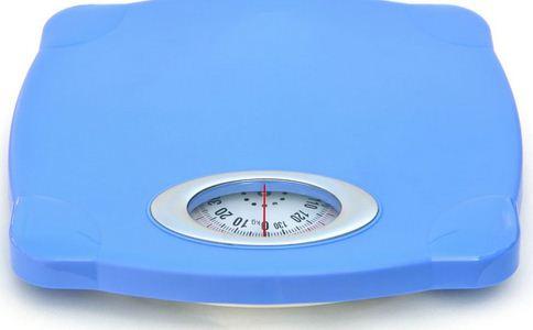 头顶40公斤水泥墩减肥60斤 奇葩的减肥方法有哪些 哪些减肥方法奇葩