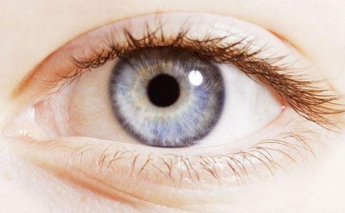 眼睛水肿热敷还是冷敷好 眼睛水肿能热敷吗 热敷适合哪些疾病