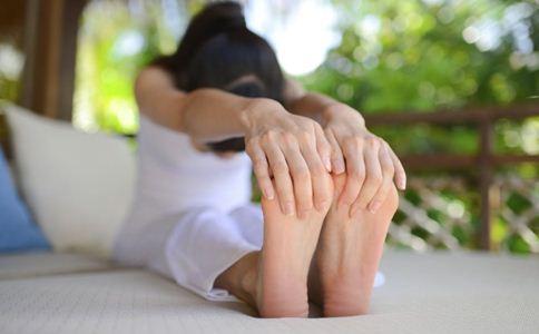 女人做瑜伽的好处 瑜伽操能减肥吗 瑜伽操可以减肥吗