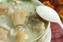 产后催乳食谱 栗子百合猪蹄汤的做法