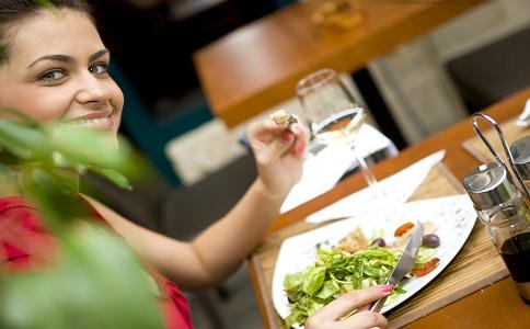 重口味饮食会让你的脸越来越大 脸越来越大的原因是什么 怎么瘦脸