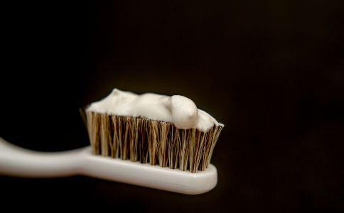 怎么挑选牙膏 如何挑选牙膏 牙膏怎么选