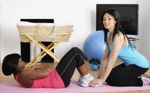 保持腹部平坦的方法有哪些 怎么保持腹部平坦 保持腹部变平坦的方法有哪些