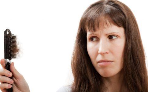 吃什么能防止掉发 女人掉发的原因 掉头发怎么护理