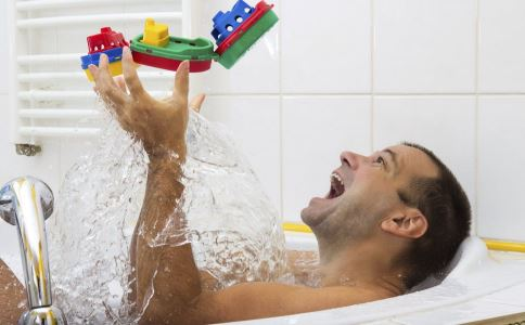 早洩如何預防 洗澡可以預防早洩 預防早洩的方法有哪些