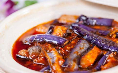 高血脂的人要多吃什么可以降脂 什么蔬菜可以帮助老人降脂 哪些食物可以降脂