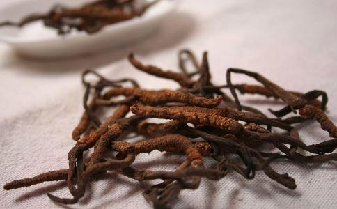 冬虫夏草的由来 哪些人不要吃冬虫夏草 哪些人适合吃冬虫夏草