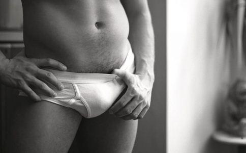 男人怎么选择合适的内裤 内裤的颜色该怎么选 怎么挑选内裤