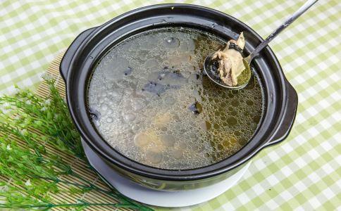 产妇催乳汤做法大全 如何做催乳汤 产妇催乳汤做法