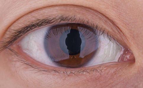 眼睑跳动预测哪种疾病是好是坏