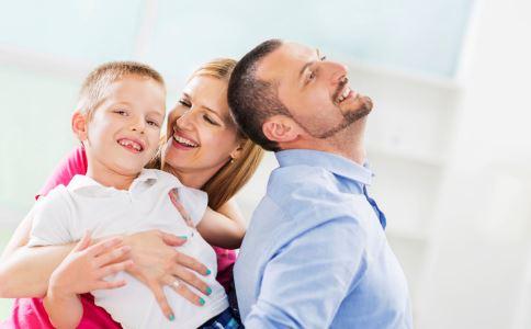 表扬孩子的技巧 如何表扬孩子 表扬孩子