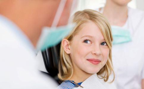 女孩头部无法竖立 罕见疾病 全球罕见疾病