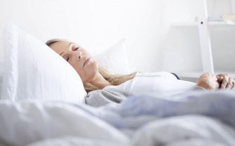 老人失眠的原因有哪些 老人失眠怎么办 老人失眠如何调理