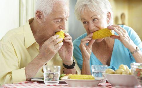 老年人没胃口怎么办 老人胃口不好怎么办 胃口不好的原因